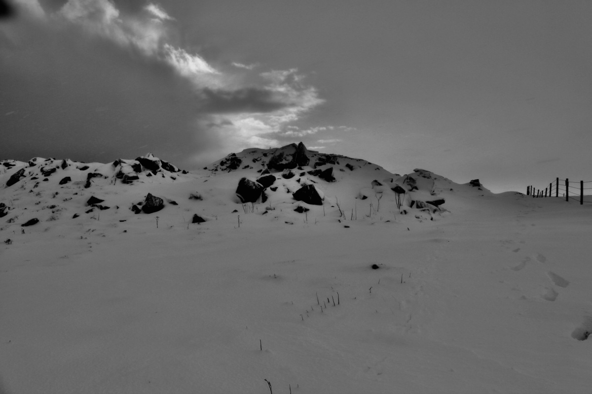 Snowy Hill photo by Jez Braithwaite of jezbraithwaite.blog